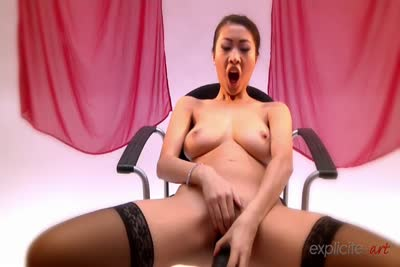 Sharon Lee vous aide à vous masturber! 2