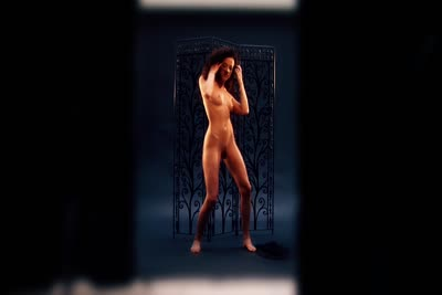 Loona Boheme : Beauté arabe nue et offerte en studio 2