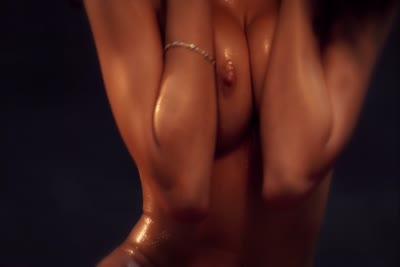 Loona Boheme : Une beauté orientale nue et offerte en vidéo 3