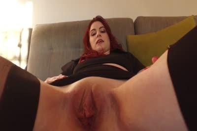 Lolita : La vidéo de la première masturbation avec un sextoy de la jeune Lolita 3