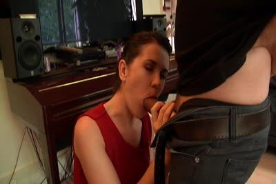 Estelle Malonn : La vidéo de Estelle Malonn sodomisee en webcam 2