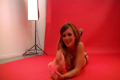 Tiffany Leiddi : Video en coulisses du shoot glamour et nu de la debutante Tiffany Leiddi 5