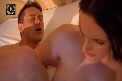 Marie Clarence : Video de Marie Clarence masseuse avec finition pipe et sodomie 5