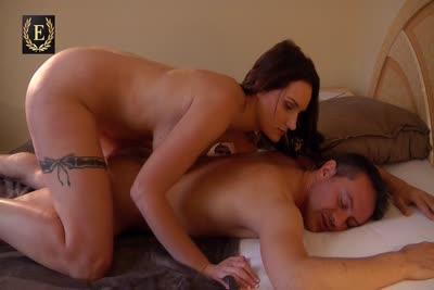 Marie Clarence : Video de Marie Clarence masseuse avec finition pipe et sodomie