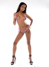 Striptease von exotischem Babe aus Kuba Katia De Lys