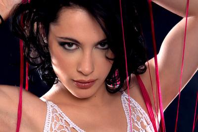 Interview vidéo de Nikita Bellucci qui annonce qu'elle continue le porno
