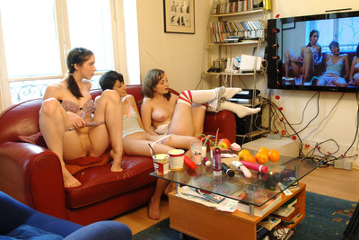 Pics of three French teen in a crazy lesbian threesome. Part 1
