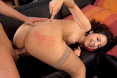 La jeune Faustine Karel sodomisée par Rico Simmons. 2/2