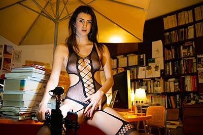 Photos of the comedy scenes of the french porn film Sexo
