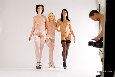 Backstage video on a photoshoot with three French teen babes