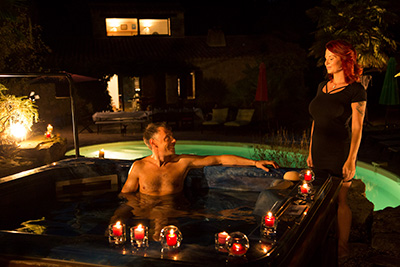The long version video of busty Julie Valmont and Francesco in jacuzzi