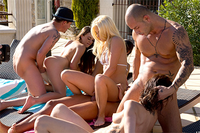 The photos of the orgy in the sun with 7 boys and girls. 1/2